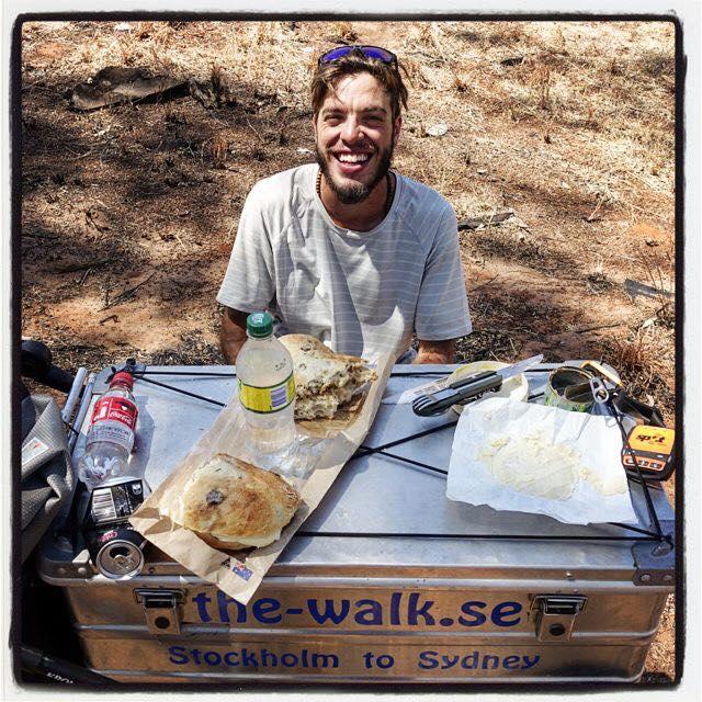 Mattia Miraglio, 50.000 km a piedi