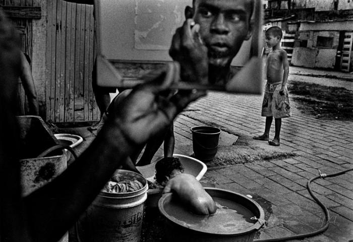 photo © Ernesto Bazan